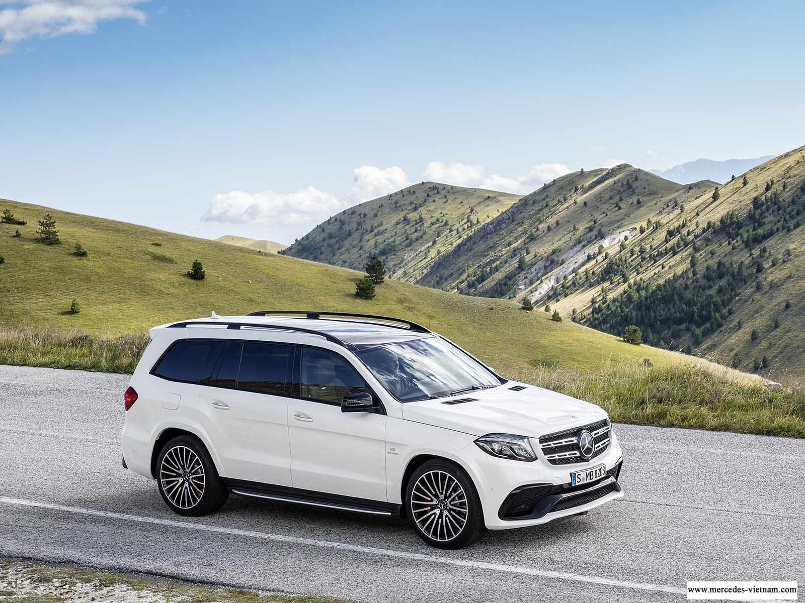 Mercedes-AMG GLS 63 4Matic 2018 2019 ngoai that noi that mercedes-vietnam (1)
