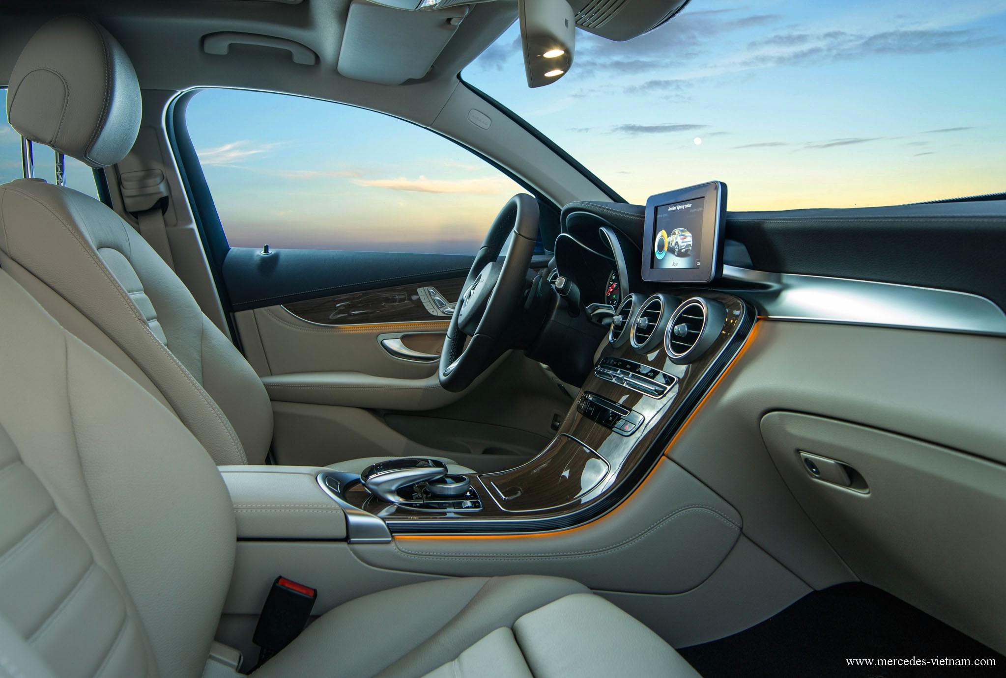 Giá xe Mercedes GLC 300 Coupe 2018 4Matic nhập khẩu tốt nhất